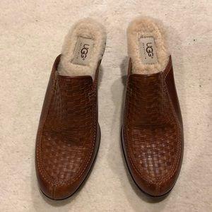 Ugg Womens slip on leather shoe